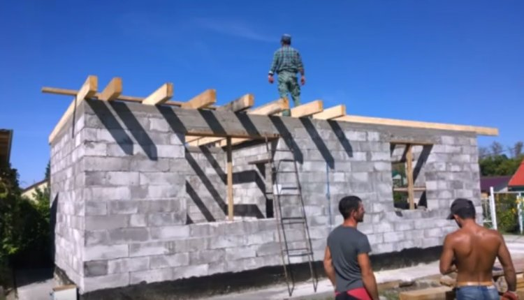 Дом из бетонного блока своими руками