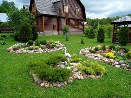 Как правильно возвести садовые постройки