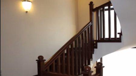 Как построить деревянную лестницу на второй этаж?