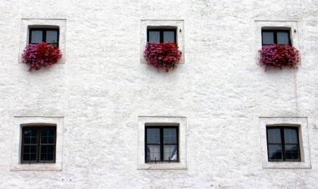 Вентилируемый фасад из керамогранита: особенности монтажа