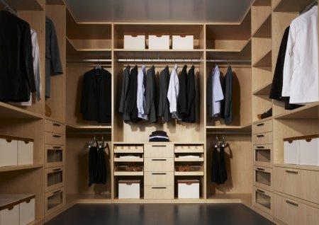 Преимущества отдельной гардеробной