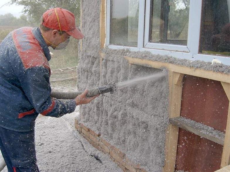 Как утеплить фундамент дома