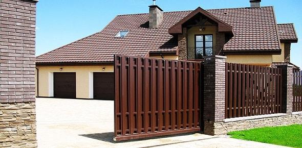 По каким причинам может потребоваться ремонт ворот и роллет?