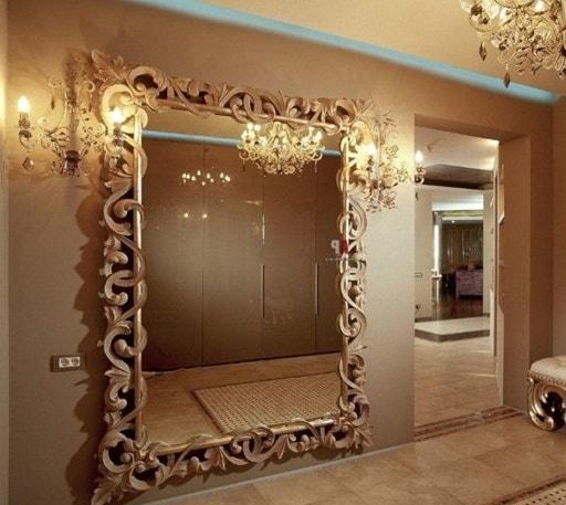 зеркала в дизайне комнаты без окон