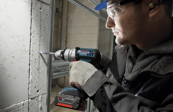 Сверление бетона ударной дрелью