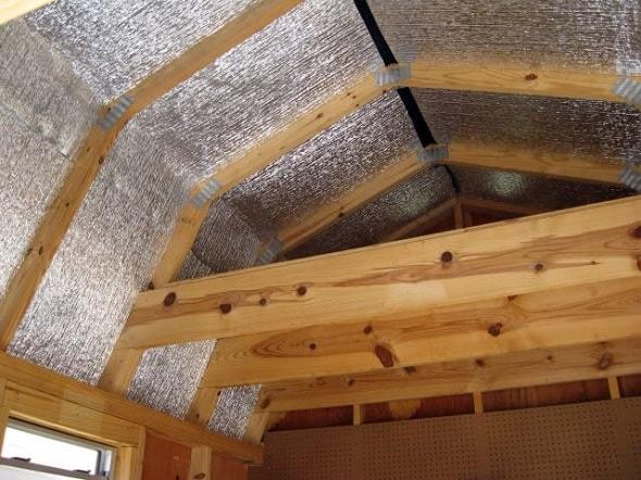 Теплоизоляция чердака и стен в деревянном доме.