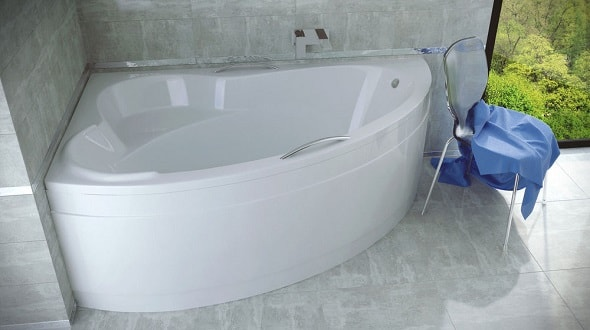 Угловая ванна в хрущевке