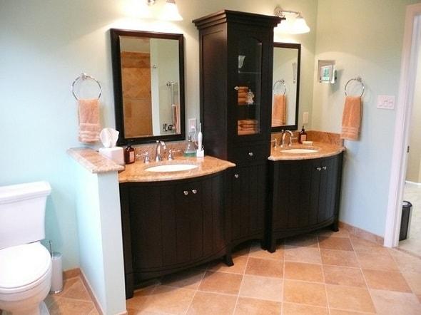 Классические пеналы для ванной комнаты