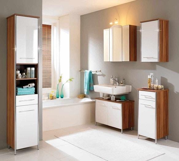 Стильные пеналы для ванной комнаты