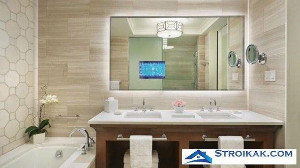 Декоративное зеркало в интерьере ванной