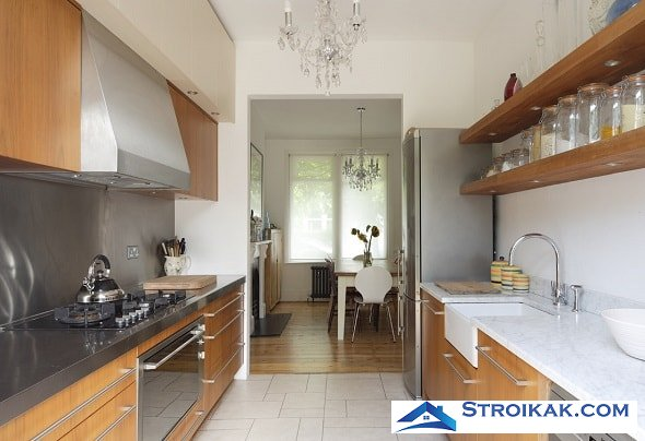 Дизайн длинной и узкой кухни
