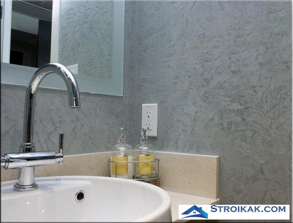 Ванная комната с декоративной штукатуркой