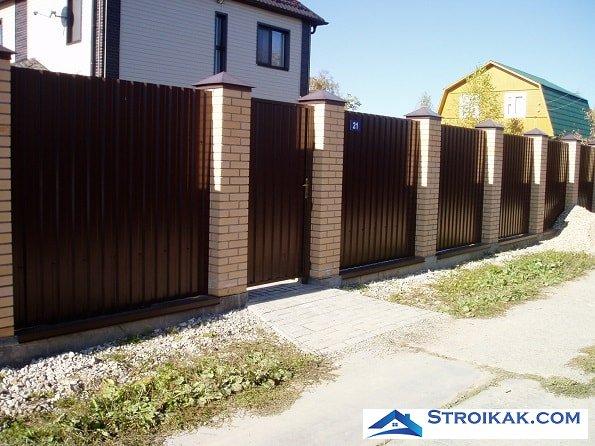Забор из металлопрофиля своими руками