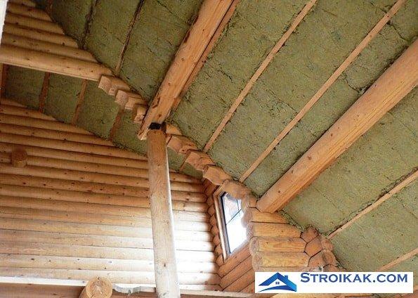 Утепление чердака в деревянном доме