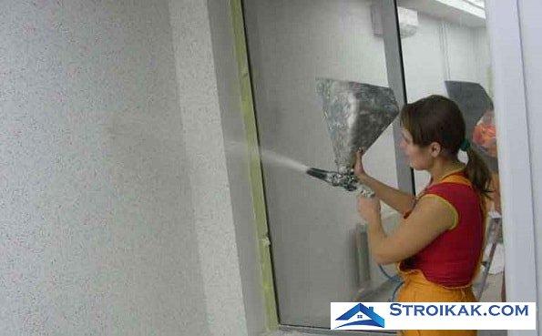 Нанесение флокового покрытия на стены
