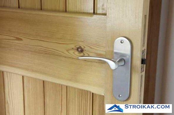 Чем можно обить дверь?