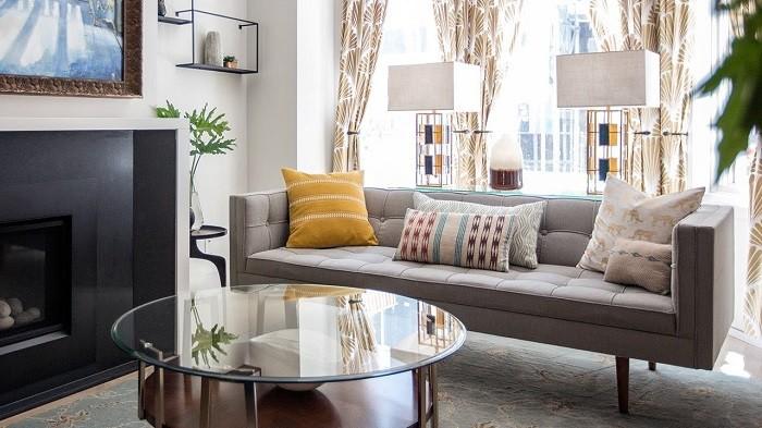 Подушки в дизайне гостиной